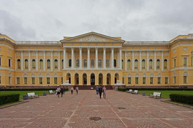 Малевич руководил Экспериментальной лабораторией при Русском музее.