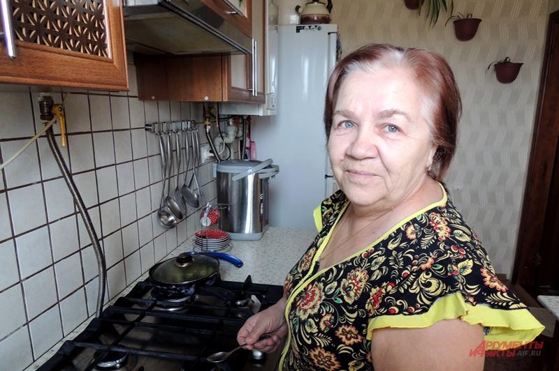 Любовь Нерадовская на кухне своего нового дома