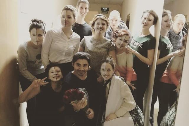 Актеры-студенты Оренбургского института искусств им.Ростроповичей.