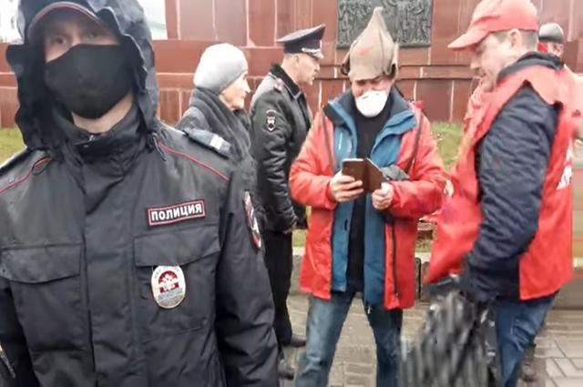 «Думаю, полицейские не всегда корректно поступали, составляя протоколы о нарушениях на тех, кто пришел поздравить Ленина», - вспоминает, как прошло 22 апреля в Казани, Хафиз Миргалимов.