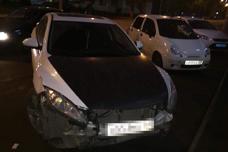 Белая Mazda принадлежит бывшему участковому полиции