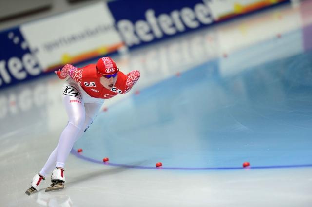 Ольга Фаткулина в забеге на 1500 метров на чемпионате России по конькобежному спорту в Сочи. 2013 год