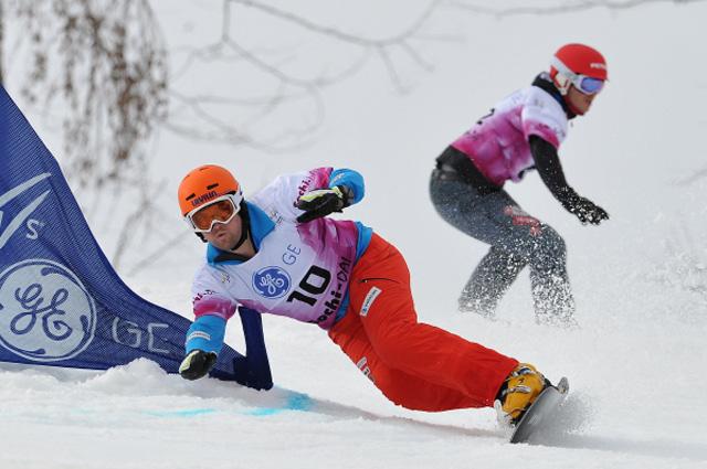<p>Параллельный гигантский слалом среди мужчин на этапе Кубка мира по сноуборду в экстрим парке Роза Хутор в Сочи. 2013 год