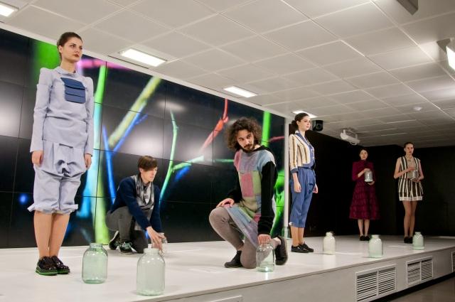 Изюминкой гранд-дефиле станет ретро-показ известного молодого дизайнера Алёны Ахмадулиной.