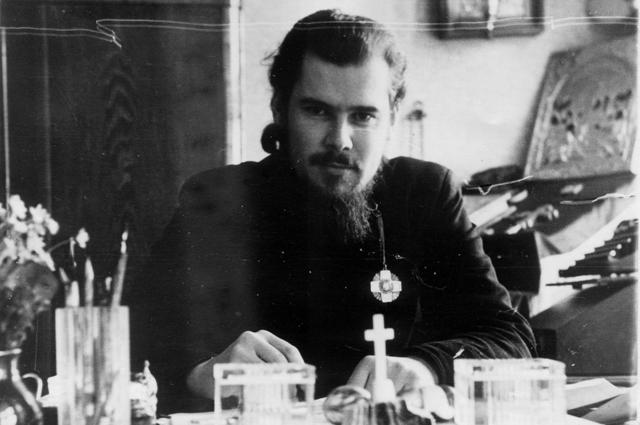 Фото патриарха Московского и Всея Руси Алексия II в молодости (ок. 1948-1955 гг.). Фото предоставлено пресс-службой Московской патриархии.
