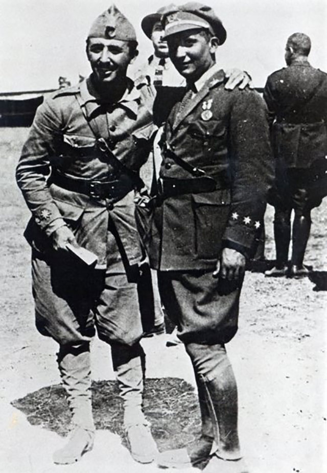 Франко и его брат Рамон, Марокко, 1925 г.