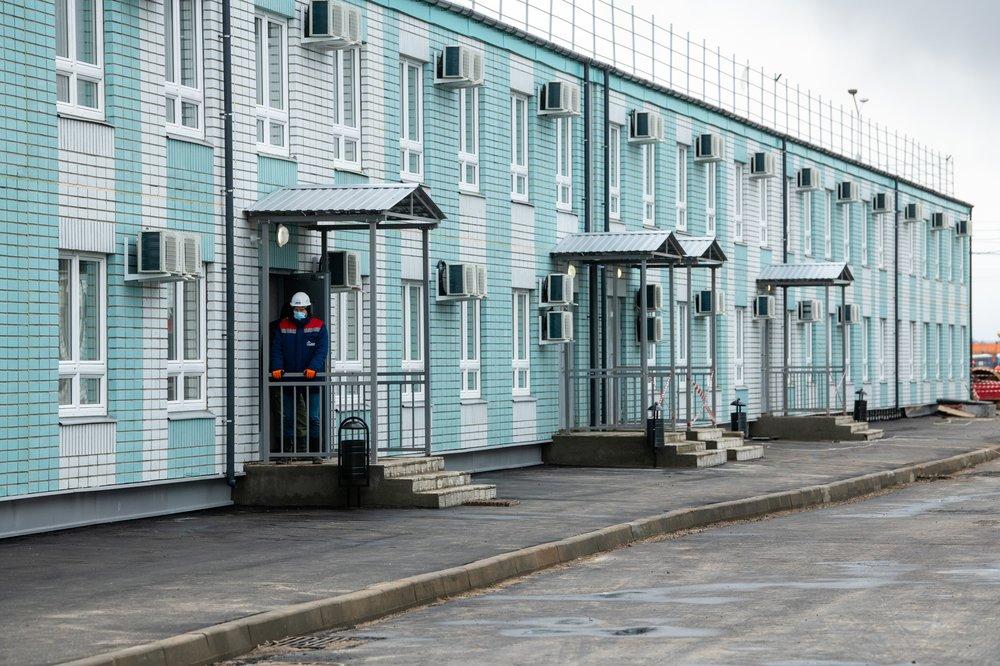 Строили меньше месяца. В Новой Москве открылся современный медцентр