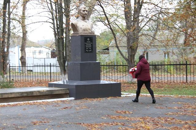 Труновское названо в честь уроженца села, героя Гражданской войны Константина Трунова.