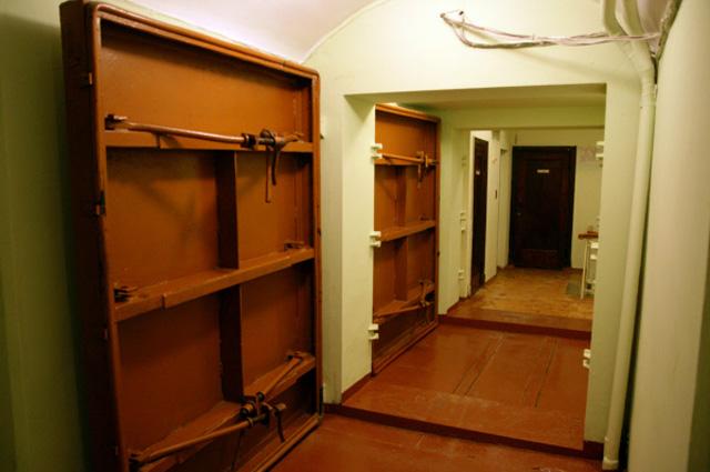 Наши бункеры, оказывается, самое надёжное место для бывших сотрудников спецслужб США