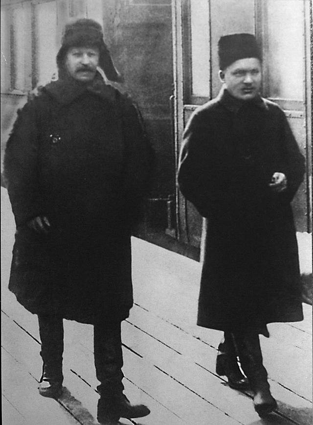 Сталин и Киров на Ленинградском вокзале, 1928 год.