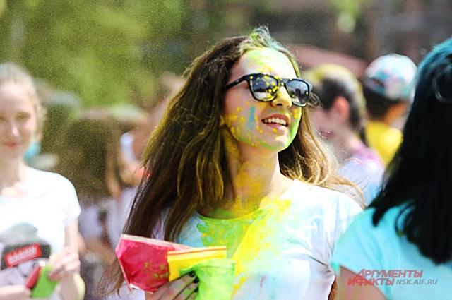 Красочный забег - отличная программа для веселья.