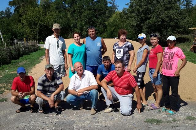 Сплочённый и дружный коллектив под руководством Анатолия Скубина верит, что земля всегда прокормит.