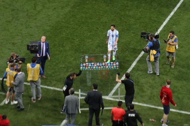 Лео Месси и его партнёры по команде оказались на грани вылета с чемпионата мира.