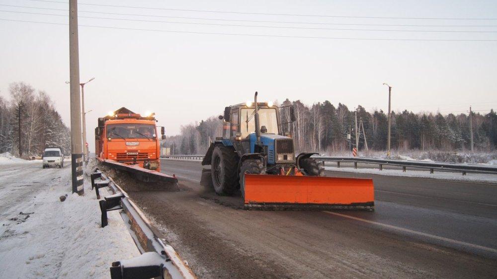 Зимой безопасность дорог зависит от их своевременной очистки.