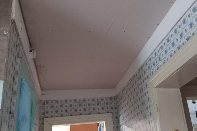 Внутри дома стало светло и чсито.