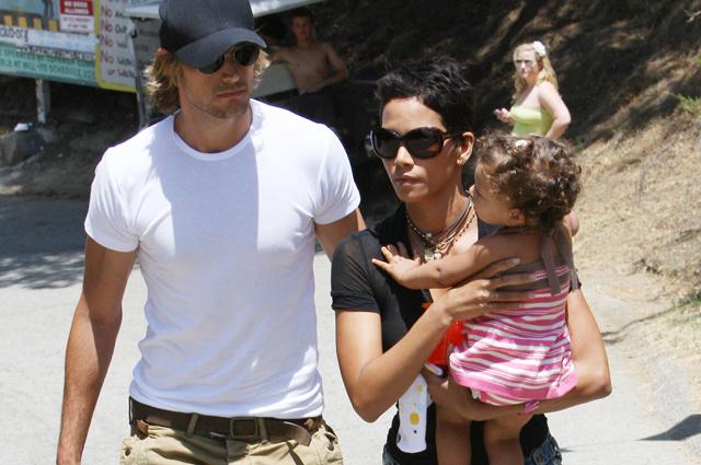 Хэлли Берри с дочерью