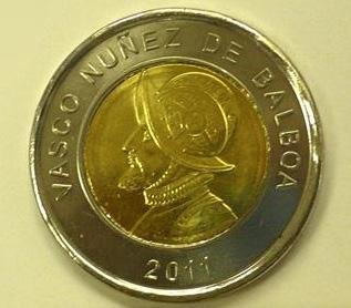 Монета 1 бальбоа с изображением конкистадора Васко Нуньеса де Бальбоа. В данном виде монета выпускается с 2011 года