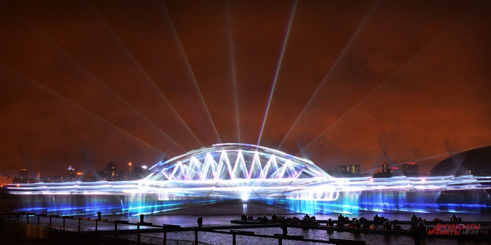 Лазерная копия будущего Крымского моста.