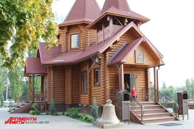 В храме, где работает Новиков, пострадавшему помогли составить обращение в прокуратуру.