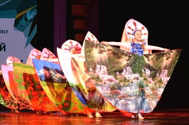 Участники соревновались в самых разных номинациях - народных, классических, современных.