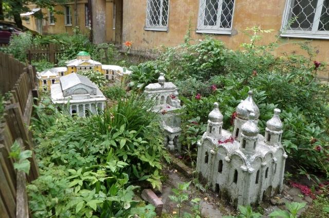Храм в миниатюре.