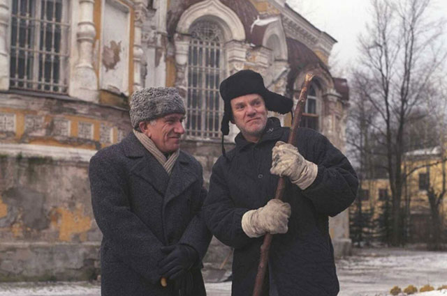 Армен Джигарханян и Малкольм Макдауэлл в фильме «Цереубийца».