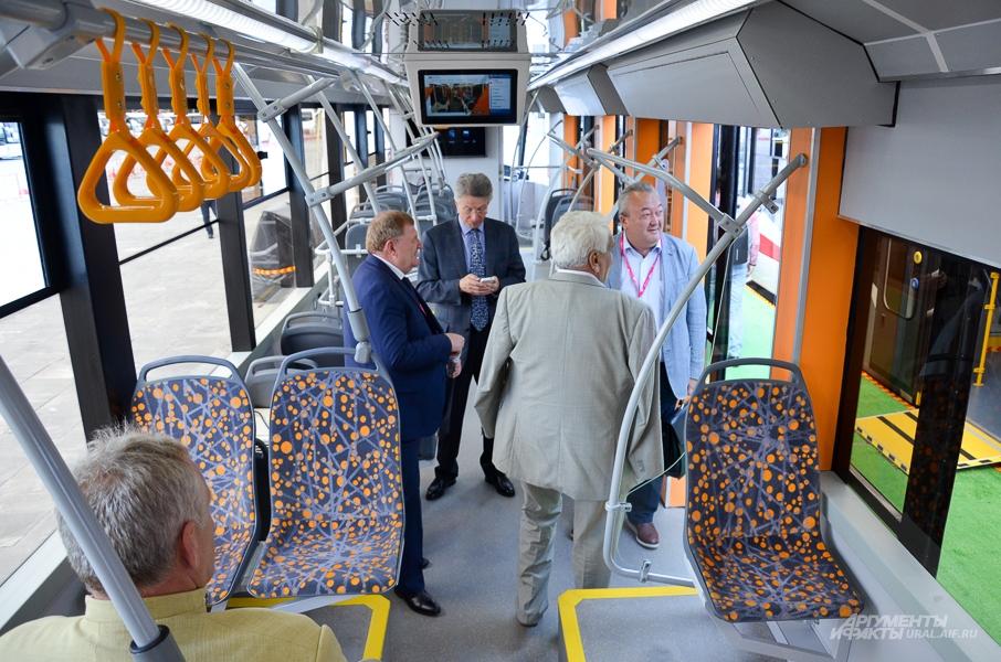Новый трамвай Уралтрансмаша.