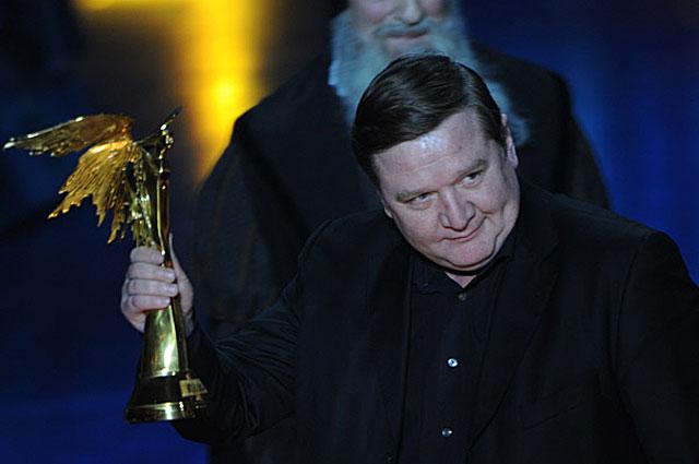 Роман Мадянов с премией Ника за Лучшую мужскую роль второго плана (фильм Дикое поле). 2009 год