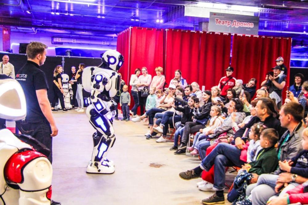 Гости выставки увидят шоу с участием роботов.