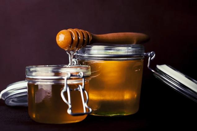 Еще в античности и в средние века пищевое золото использовали в качестве украшения блюд и добавки к пище.