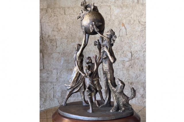 Эскиз памятника семье.