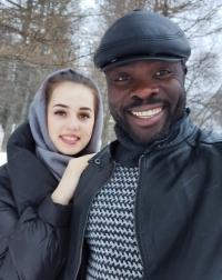 Патрик Эжача с женой