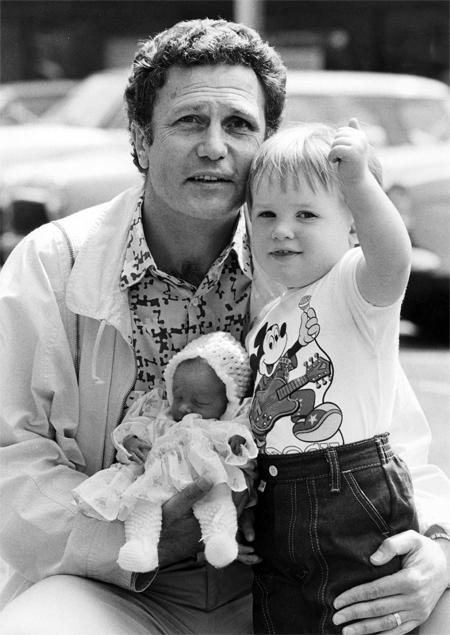 Луиз Браун, первый в мире ребёнок из пробирки