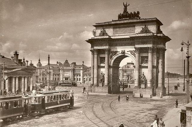 Площадь Тверской заставы и Триумфальная арка в Москве, 1920-е.