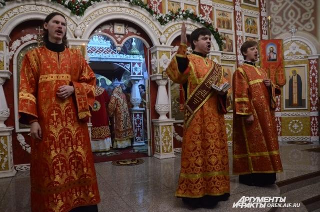Первая литургия в новом монастыре.