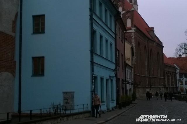 Старый центр Риги защищён от выбросов углекислого газа законодательно - печи здесь топить больше нельзя.