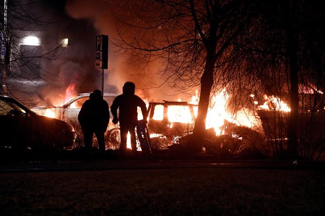 Беспорядки в пригороде Стокгольма Ринкебю.