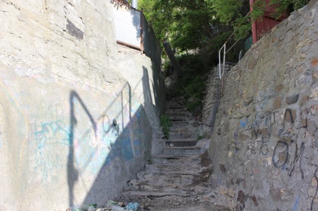 Узкие богудонские улочки местные называют суточками.
