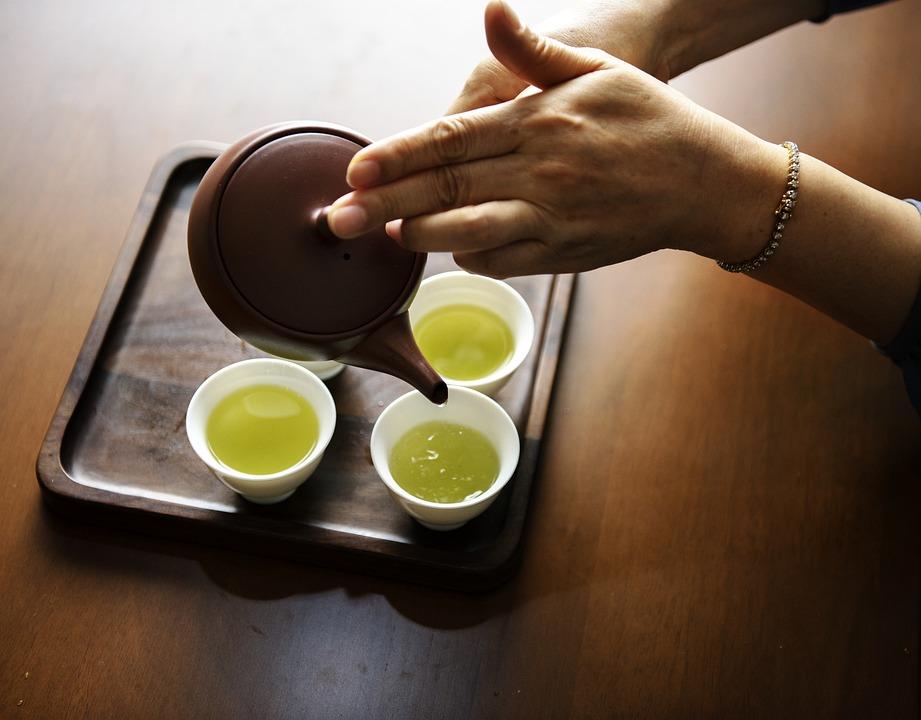 Зеленый чай рекомендован практически всем людям.