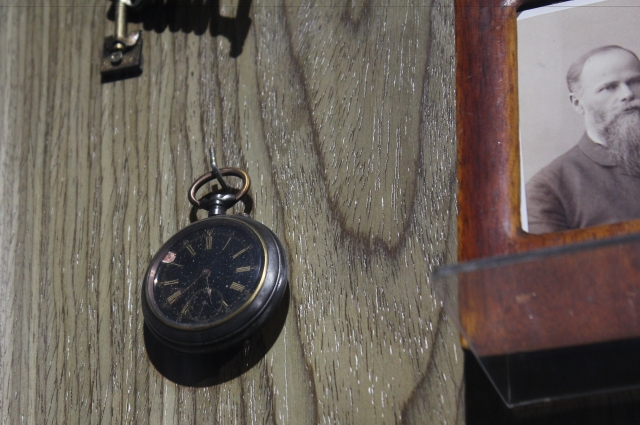 Часы были предметом роскоши.