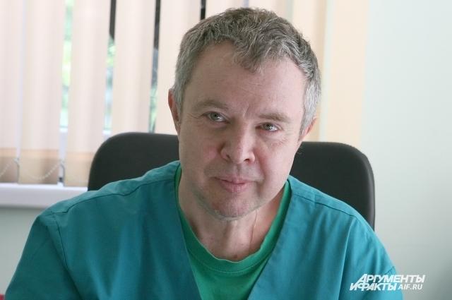 Главный внештатный инфекционист Минздрава области Игорь Иванов