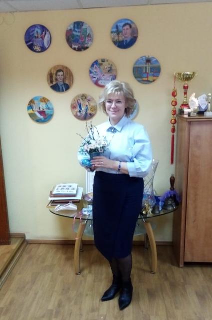 Елена Трофимова уже завтра сядет за рабочий стол в кабинете директора.