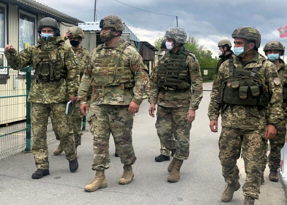 Военные дипломаты США