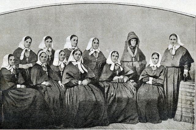 Сестры Крестовоздвиженской общины, Севастополь, 1855 год.