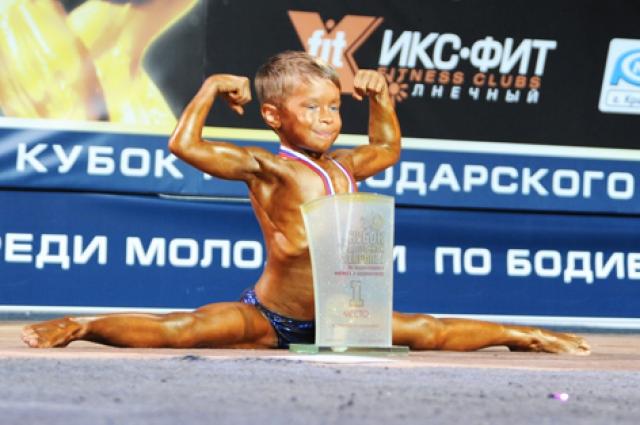 Бодибилдинг для спортсмена - хобби. Но и тут он смог проявить себя.