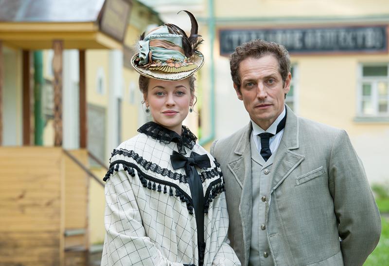 Основные персонажи детектива - Анна Миронова и Яков Штольман.