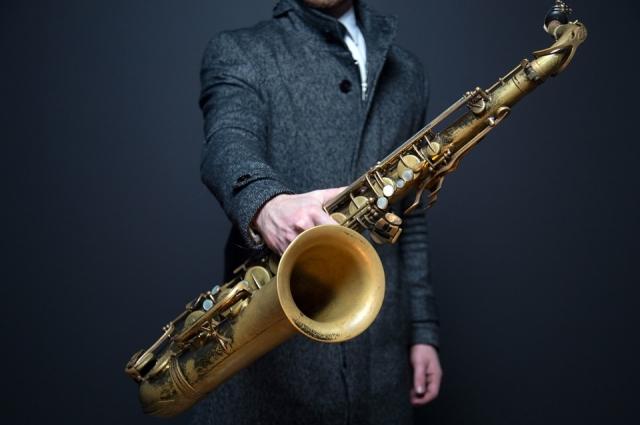 Любителей музыки ждёт саксофон.