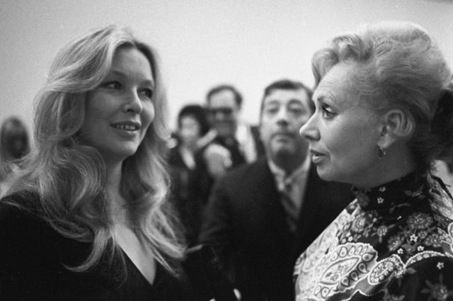 Марина Влади и Лидия Смирнова. VIII Международный кинофестиваль в Москве. 1973 год.