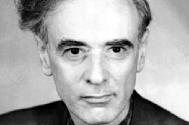 Ландау Инициатор создания и автор (совместно с Е. М. Лифшицем) фундаментального классического Курса теоретической физики.