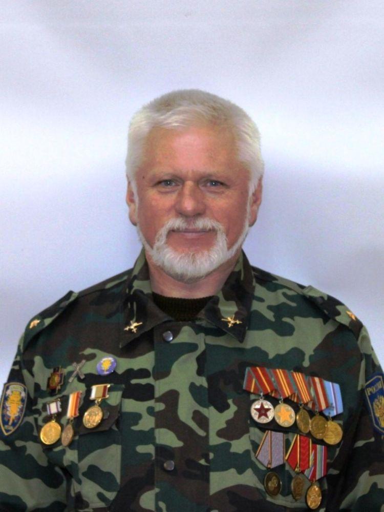 Руководитель Рязанской региональной общественной организации «Православные витязи» Виктор Тихонов.
